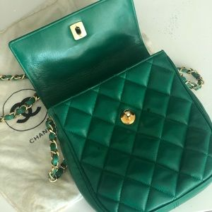 🍁Chanel green very vintage bag leather awesome